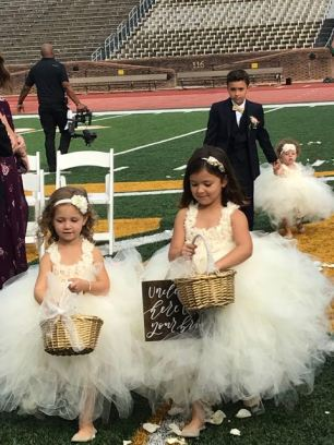 Flower girls and ring bear